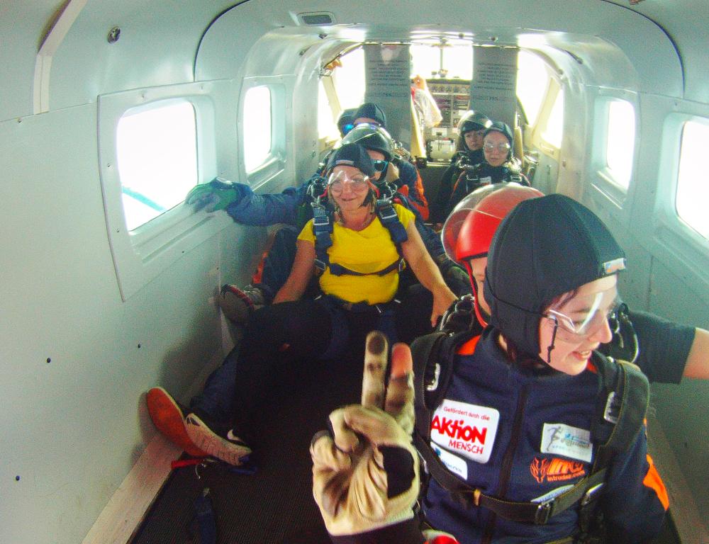 Im Flieger mit anderen Tandem Teilnehmer